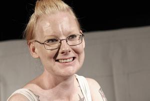 Äntligen kan Linda Bymans förverkliga idén om att spela upp Bertil Danielssons och Lennart Erikssons klassiska och galna sketcher.