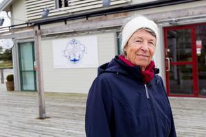Barbro Strömblad, boende på Öster Mälarstrand, tycker att det är tråkigt att Marina Mälarstrand håller stängt och är nyfiken på varför.
