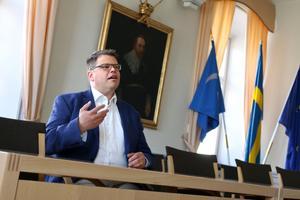 Nuvarande kommunalråd Anders Wigelsbo (C) säger att kommunen ändrat sitt arbetssätt för att undvika liknande situationer framöver.