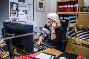 Birgitta Hansson, lönespecialist, handleder ofta enhetschefer i olika moment kring lönesystemet HR-plus.