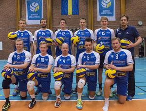 Övre raden från vänster: William Lind, Kyle Gramit, Connor Olbrigt, Verneri Vetriö, Henrik Norrby, Marcus Vikander.   Nedre raden från vänster: Patrik Ödvall, Martin Drejare, Roger Alm, Martin Molneryd och Andreas Wahlström.