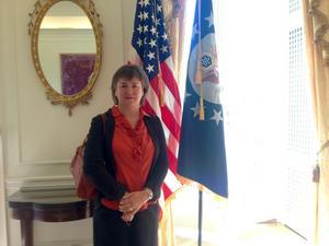 It-guides Gunilla Lundberg blev inbjuden av USA:s nya ambassadör i Stockholm för att diskutera integration.