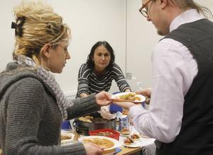Borka Lipovic tycker att det är spännande att få bjuda på sina egna maträtter