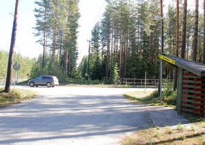 Småhustomterna ligger i skogsområdet mellan Timrå ridstadion och Lundevägen.