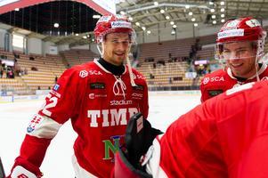 Johannes Salmonsson hade mycket att vara glad över efter segern mot Mora. Bild: Pär Olert/Bildbyrån