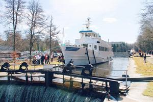 Utdockning vid Hjälmare Docka söndagen den 22 april. På bild räkbåten Tor. Foto: Maja Wassell