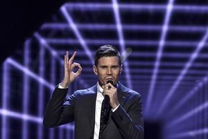 Robin Bengtsson framför bidraget I Can't Go On under  finalen i Melodifestivalen 2017.