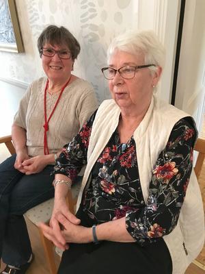 Inez Kämpe och Christina Andersson, avtackades efter  flera års tjänst. Foto: Ingrid Wiksten