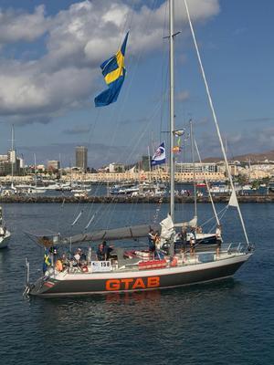 Nynäshamnsbåten Aloha Sailing fotograferades i hamnen i Las Palmas nyligen, strax före avfärden mot Karibien. Foto: Lena Englundh