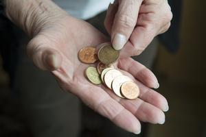 Staten måste därför ta sitt ansvar och höja pensionsavsättningarna omgående till 18,5 procent och därefter ytterligare höjningar, skriver insändaren.