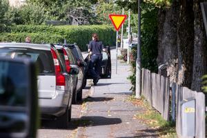 Polisen genomförde en husranssakan i en bostad som tillhör en person med kopplingar till 45-åringen.