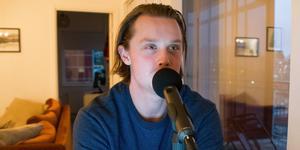 Dahlén under inspelning av Hockeypuls avsnitt 21.