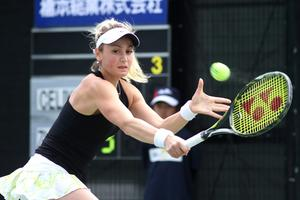 Susanne Celik vann sin comebackmatch på tennisplanen med 6–1, 6–1 mot slovakiska 19-åringen Lenka Stara, som var rankad som 45:a i världen som junior förra året. Foto: Privat