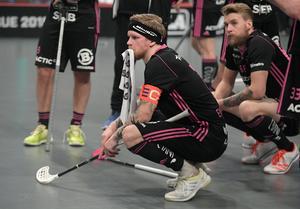 Rasmus Enström deppar efter finalförlusten. Foto: Janerik Henriksson/TT