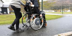 Detta ska inte vara ett problem. Det måste handikappanpassas mera, NU! Alla ska kunna leva ett bra liv oavsett handikapp eller inte, skriver signaturen