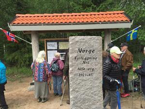Minnesstenen vid Älgbergets fot. Foto: Göran Greider.