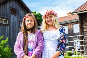 Lovis Lönn och Tyra Jäderström går upp i tredje klass till nästa läsårstermin.