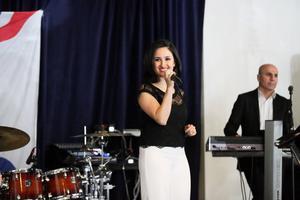 Assyrisk/syrianska sångerskan Orshina Al Chammas.