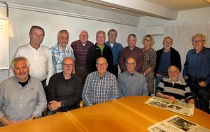 Sittande från vänster, Ulf, Håkan, Börje, Folke, Per Olof, Stående från vänster, Ulf, Lennart, Håkan, Janne, Lars, Börje, Marita, Sven, Sture. Fotograf Sture Claesson.
