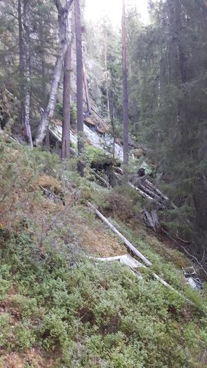 Svår terräng försvårade släckningsarbetet. Foto: Räddningstjänsten Jämtland
