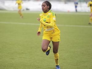 15-åriga Freweyni Tewelde har saknats i de två senaste matcherna, men under våren har hon stått för sex mål under sin första säsong i A-laget.