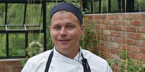 Robin Hytter, kock och souschef på Färna Herrgård är superglad över att ha nåt till finalen i tävlingen Årets Ekokock 2019.