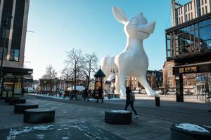 Rådjuret är tänkt att bli en mäktig symbol för Västerås och hela Västmanland. Inne i djurets ännu tomma mage ska det i framtiden finnas utställningslokaler.