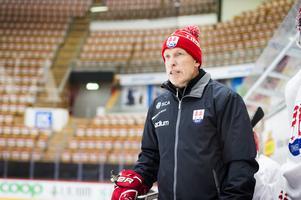 Timråtränaren Fredrik Andersson tycker att den nya konkurrenssituationen fått alla spelare i truppen att ta ett kliv framåt.
