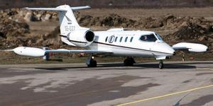 Scandinavian Air Ambulance flygplan av typen Learjet 35.