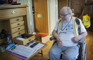 När hemtjänstpersonalen hjälpt Sture Wretling att få hem sin spelvinst, la han pengarna i ett kuvert i sekretären i vardagsrummet.