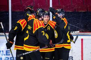 Brynäsjubel efter 5–1 mot serieledande Luleå. Foto: Bildbyrån