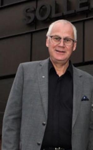 Ibland måste man ta obekväma beslut, säger Kjell-Åke Sjöström (V) apropå nedskärningarna av den dagliga verksamheten för dementa. Foto: Jonny Dahlgren/arkiv