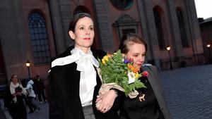 Sara Danius tillsammans med författaren Sara Stridsberg. Foto: Jonas Ekströmer / TT
