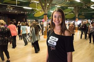 Maddison Glover höll i workshops under linedanceträffen i Säter.