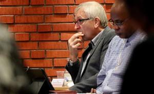 Kjell Grip (KD) säger att han också fått frågan om varför kommunen inte återkopplar till jobbsökande.