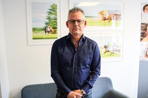 Mats Kvarnberg, verksamhetschef Smile Tandvård tycker att det kan vara svårt att förklara för patienterna vad de egentligen betalar för när det kommer till tandvård.