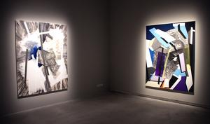 Nu ställer Sigrid Sandström ut sina optiskt utmanade målningar på Västerås konstmuseum.