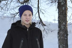 En 17-årig Lina Hurtig hemma i Avesta efter första allsvenska säsongen med Umeå IK. Då hade hon nominerats till årets nykomling på Fotbollsgalan och vunnit EM-guld med F19-landslaget.