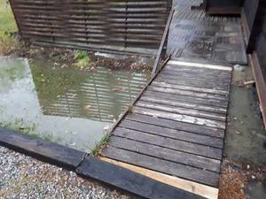 Avloppsvattnet flöt ut från sommarstugan.