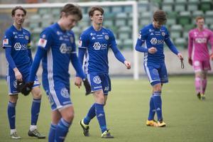Teodor Stenshagen (i mitten) tillsammans med GIF Sundsvalls P19-lag.
