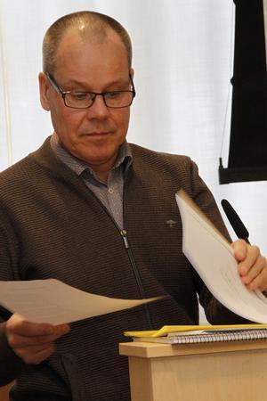Inte ens en skattehöjning med två kronor skulle ge någon guldkant på Ljusdalsbornas tillvaro, enligt Tom Westerberg.
