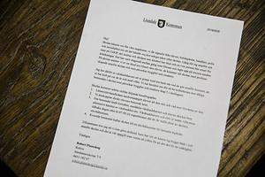 Robert Planeskog, rektor för högstadiet på Stenhamreskolan, skickade ett brev till vårdnadshavarna vid skolan för att upplysa vårdnadshavarna om det pågående arbetet.