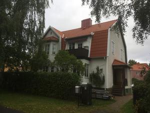 Färdigt! Så här ser huset på Bäckalyckan ut efter takrenoveringen.