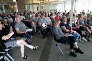 Många sökte sig till mötet på Dala Airport.
