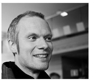Per Mårtensson är född 1967 och uppvuxen i Östersund, men har sin bas  i Stockholm sedan 1989.  Foto: Filip Melo