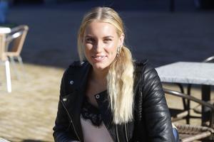 Emelie Nyman Wänseth är en av två svenskor i trestag.