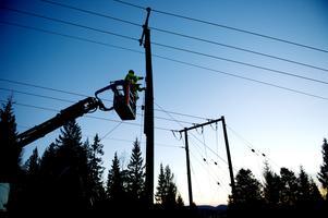 Flera tusen hushåll är ännu utan ström i Norrtälje.