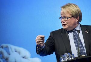 Peter Hultqvist (S). Försvarsministern fick ett förstahandskontrakt på en lägenhet via Militärhögskolans bostadsstiftelse MHS-Bostäder.