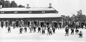 12 mars 1955. Examen i skidbacken.