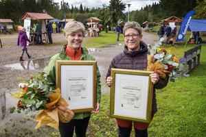 Miljönämndens stipendium delades ut till Gunilla Morelius Vesterlund och Ann Sofie Vestberg, kockar på Vallens skola i Kovland.